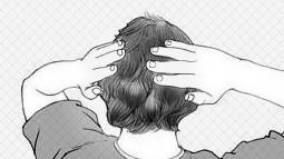 Ấn chặt và vuốt ngược tóc xuống.